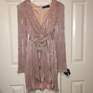 Dresses & Skirts - Long sleeve, V-neck, light pink metallic dress